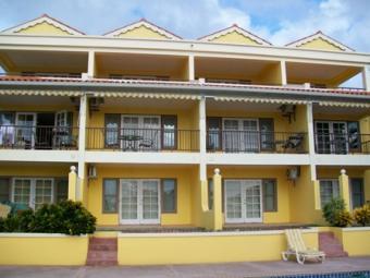 BON 003-Bayhill Townhouses Bon Terre