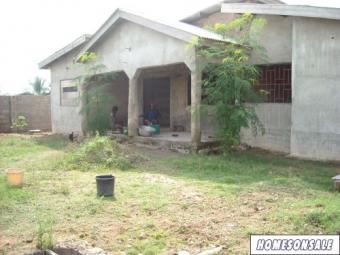 Uncompleted house for sale Accra