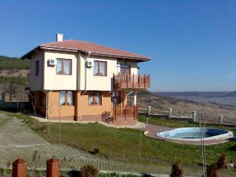 Fully Furnished 3 Bedroom House Varna