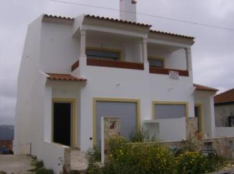 3 Bedrooms attached villa Nazaré