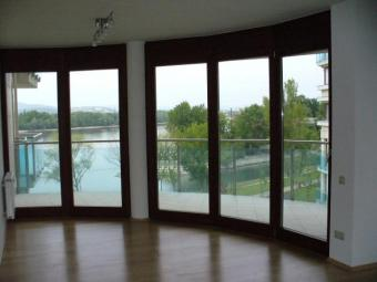 NEW APT ON RIVERBANK DANUBE Budapest