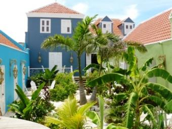 Colonial apartments Willemstad
