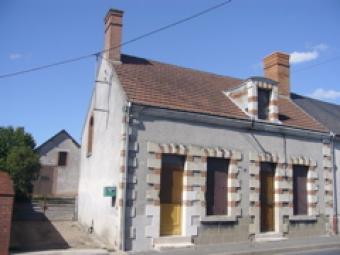1850 VILLAGE HOUSE, BARN, GARDEN Blois