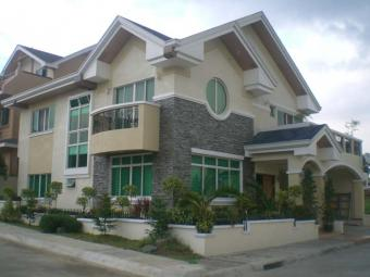 House & Lot in Congressional Ave Quezon City