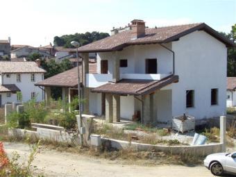 SELL A VILLA IN ITALY Tassarolo