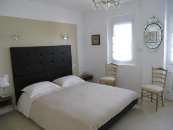 Selling my guest room suite, Bordeaux