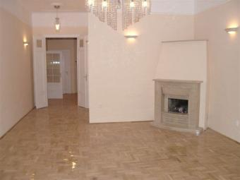 Beautiful 2 bedroom District  V Budapest