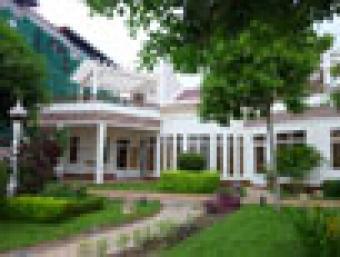Nice garden villa for sale 855