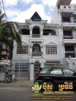 WESTERN STYLE VILLA FOR RENT LOC Phnom Penh