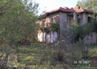 Karnobat town house:V 1235 Karnobat Bourgas
