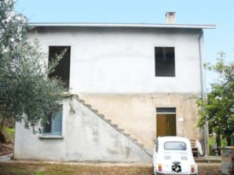 three bed farm house Chieti