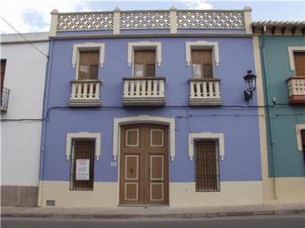 Beautifully reformed town house La Llosa De Camacho