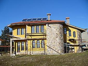 NERAIDES stylish rural property Bryastovets