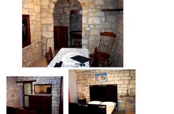 ITALIAN STONE HOUSE 72017