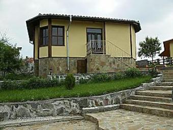 NERAIDES luxury rural house Bryastovets