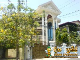 WESTERN STYLE VILLA FOR RENT REN Phnom Penh