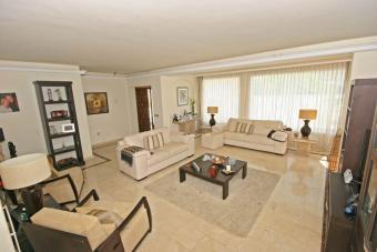 EUR 599,000 Villa Marbella Guada Santiago De Compostela
