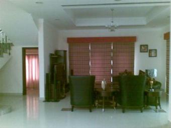 4rent compound villa Saar