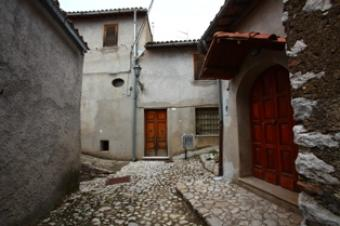 Medieval House in Vacone !! Rieti