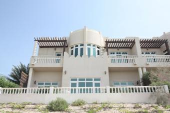 Compound Villa Westbay Lagoon Doha