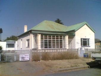 DIY-HOUSE FOR SALE-RANDGATE Randfontein