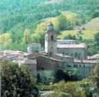 Stone townhouse in LE Marche Rotella