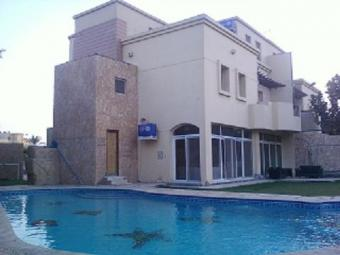 villa for rent inside compound 6th Of October