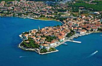 Two app in the center of Porec Istra