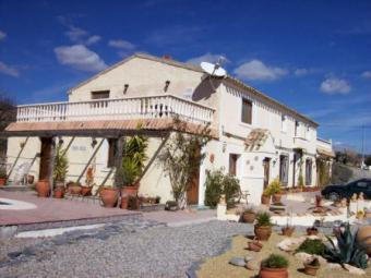 6 Bedroom Country house Oria