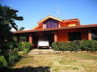 Beautiful property-big house Orotina